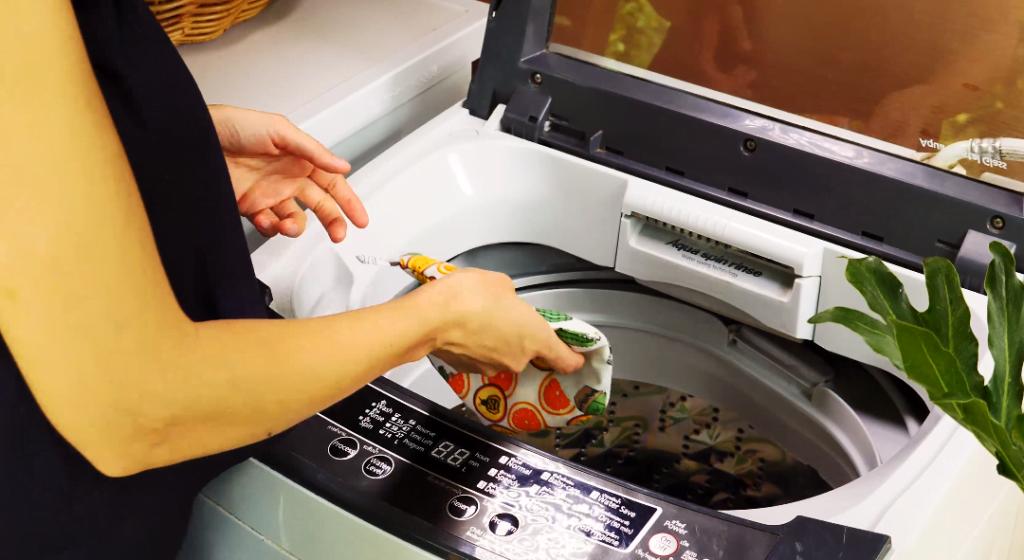 Putting a Hexawash in a washing machine