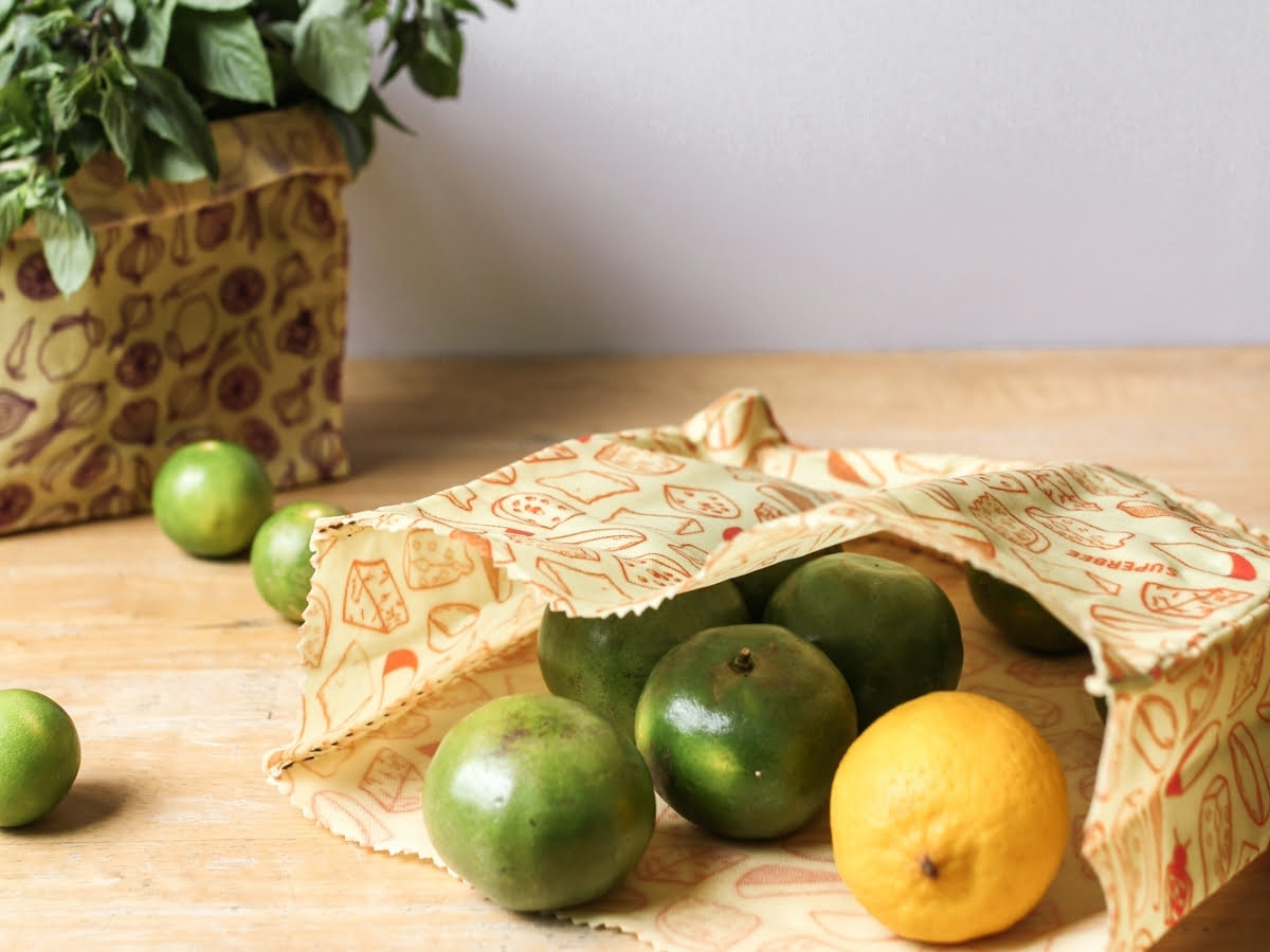 Fruit and vegetables last longer in Waxed Food Bags